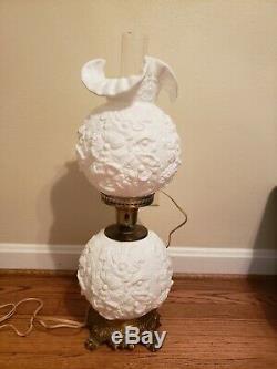 Beautiful 23 Fenton Milk Glass Ruffle Poppy Gone With The Wind Lamp Read