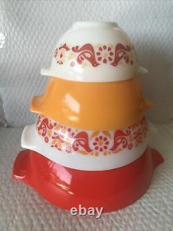 Complete set of 4 Pyrex Friendship Cinderella Mixing Bowls 441 442 443 444