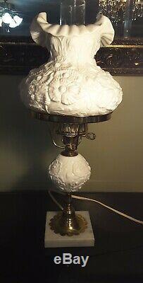 Fenton Poppy White Milk Glass Lamp withHurricane Globe Excellent Condition Glass