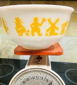 Hazel Atlas Dutch Boy Girl Windmill White Yellow Fired on 9 Mixing Nesting Bowl
