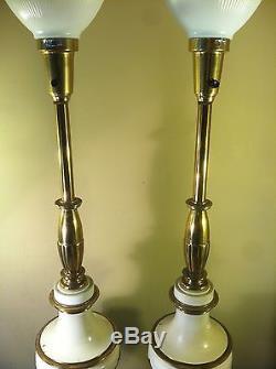 Hollywood Regency Mid-Century Vintage Stiffel Brass Porcelain Lamps Milk Glass