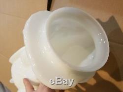 Milk Glass White Eagle Gasoline Gas Pump Globe