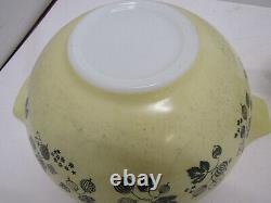 OLD Pyrex Yellow Black White Gooseberry Cinderella Nesting GLASS Bowls Set of 4