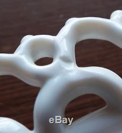 Old Antique Large 1889 ATTERBURY Milk Glass FOX Figural COVERED DISH Lace Edge