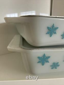 PYREX Glass Snowflake Space Saver Casserole Dish Set 575 / 548 Vintage