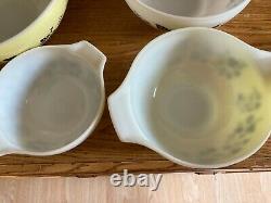 Pyrex 4 piece mixing bowl set Gooseberry black/white/yellow