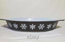 Pyrex Black Snowflake 7 LARGE SNOWFLAKES Open Baker RARE EXCLNT White Charcoal