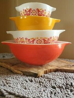 Pyrex Friendship Cinderella Mixing Bowls 441 442 443 444 pennsylvania dutch
