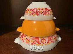 Pyrex Friendship Cinderella Mixing Bowls Set Of 3 Excellent Condition