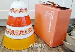 Pyrex Friendship Mixers Bowls SET OF 4 / NOS NIB 400 set excellent original box