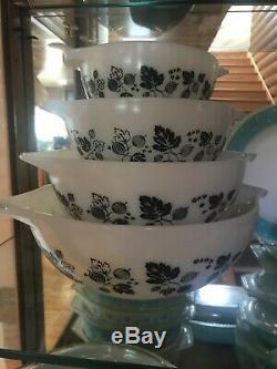 RARE HTF Pyrex Gooseberry Black & White Cinderella Nesting Mixing Bowls EXC