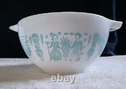 Rare Vintage Pyrex REVERSE Butterprint (LADY ON THE LEFT) 441 Cinderella Bowl