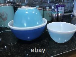 Rare Vintage Pyrex White Rim, (Blue AMERICANA) Mixing Bowl Set401/402/403