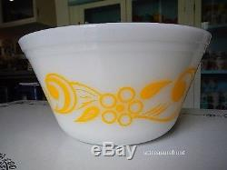Retro Yellow Polka Dot Flowers & Scrolls Federal Milk Glass Mixing Bowl Set of 5
