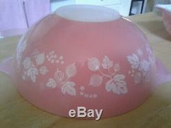 Set/4 PYREX Pink Gooseberry Cinderella Nesting Mixing Bowls 1950s Vintage