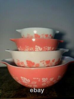 Set 4 Vintage Pyrex Cinderella Gooseberry Mixing Nesting Bowls Pink White