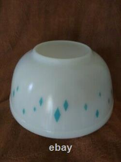 Unmarked Pyrex Mixing Dainty Maid, Turquoise Diamond Pattern, Rare, rare
