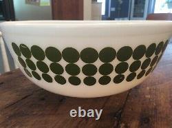 VINTAGE PYREX GLASS RARE 4 QT GREEN POLKA DOT DESIGN MIXING BOWL # 404 shiny