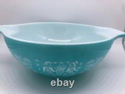 VTG Pyrex AMISH BUTTERPRINT Cinderella Bowl Set Turquoise & White 444,443,442