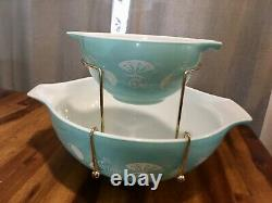 Vintage 1958 Pyrex 441 1 1/2PT, 444 4QT Balloons Chip and Dip Set with Box Cool