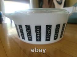 Vintage 1961 PYREX Promotional BLACK and WHITE Gourmet 475 Casserole 2 1/2 qt