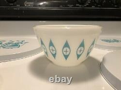Vintage 5 1/2 Pyrex Unmarked Atomic Blue Eyes Small Chip Dip / Mixing Bowl