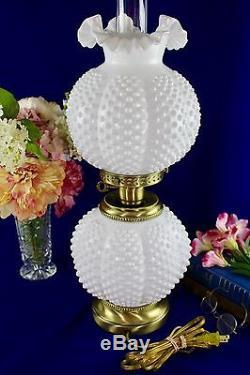 Vintage Fenton Art Glass GWTW White Milkglass Hobnail Electric Lamp Excellent