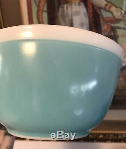 Vintage Pyrex Americana Aqua Blue White Rim Mixing Bowl 402 VTG 1960