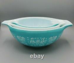 Vintage Pyrex Amish Butterprint Cinderella Mixing Bowl Turquoise white Set of 3