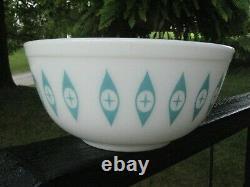 Vintage Pyrex Atomic Eyes Large Mixing Chip Bowl