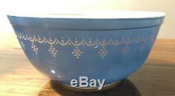 Vintage Pyrex Garland-Snowflake Mixing BowlsSet of 4401-404 1 1/2 Pt 4 Qt
