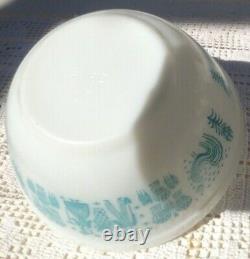 Vintage Pyrex HTF Amish Butterprint Mixing Nesting Bowl Set 401- 404
