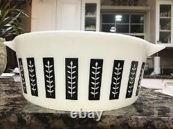 Vintage Pyrex Promotional Gourmet Casserole Black and White 1961