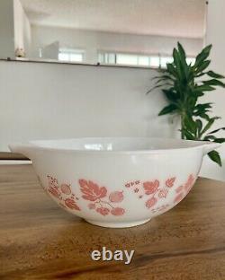 Vintage Pyrex Set 4 Gooseberry Pink White Cinderella Nesting Mixing Bowls