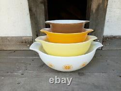 Vintage Pyrex Town & Country Complete Cinderella Mixing Bowl Set