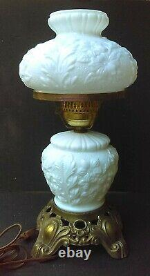 Vintage White Puffy Rose Poppy Milk Glass Gone With The Wind 3-Way Lamp Turnkey