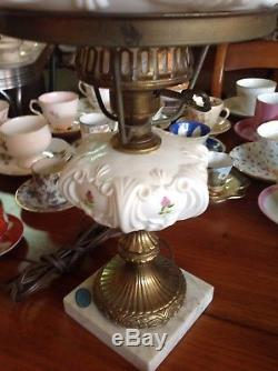Works! Vintage Fenton Violets In The Snow Milk Glass Pedestal Table Lamp